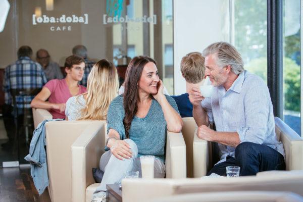 gute Gespräche im Cafe